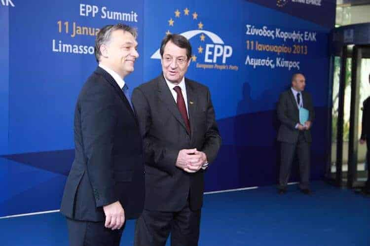 Victor Orbán (left) at an EPP meeting in 2013.