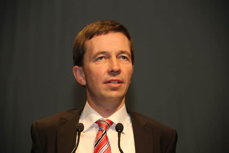 Would Pegida have been possible without the rise of the AFD (here the party's leader Bernd Lucke)? Frank Decker thinks the two phenomena are connected. (photo: CC BY-SA 2.0 - Blu-news.org)